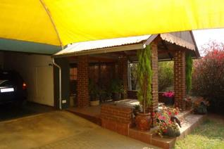 3 Bedroom House for sale in Rensburg - Heidelberg