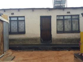 Four Room House To Rent In Tembisa