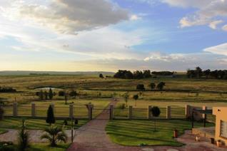 This guest farm offers comfortable self-catering accommodation, surrounded by picturesque scenery, centrally located in the Eastern ...