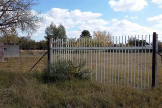 Erwe naby vaalrivier  (nie rivierfront nie) reeds onderverdeel in sewe dele. • 1 x 901m²  • 1 x 904 m²  • 1 x 737 m²  • ...