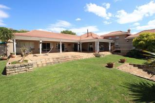 This fabulous home in the illustrious Khamanga Bay has so much to offer. Situated 50 ...