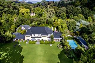 6 Bedroom House for sale in Constantia - Cape Town