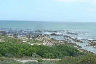 A sea front erf situated in the Kolgansbaai development giving extensive views of the ...