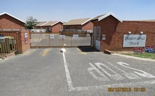 2 Bedroom Townhouse to rent in Noordhoek