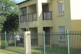 Flat For Sale in Modimolle 2 Bedroom Open Plan living area Kitchen Full Bathroom Carport for 1 Car Prepaid Electricity Monthly Levy ...
