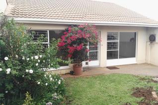 2 Bedroom Townhouse to rent in Heuwelsig - Bloemfontein