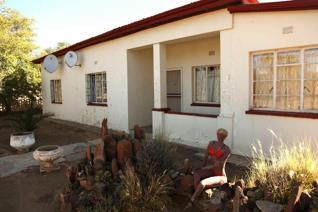 3 Bedroom House for sale in Carnarvon - Carnarvon