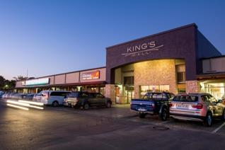 This shop for rent in Kings Mall, Gonubie is the ideal location for a beauty salon. This ...