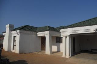 4 Bedroom House for sale in Mogwase - Mogwase