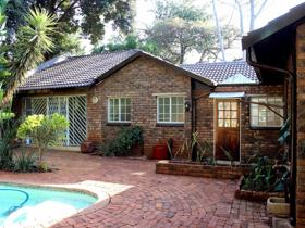 4 Bedroom House on auction in Magalieskruin - Pretoria