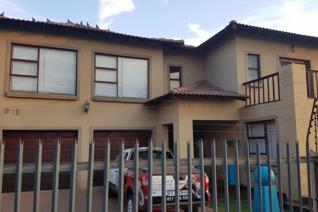 3 Bedroom House for sale in Rensburg - Heidelberg