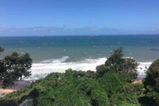 Splendid sea views on the best address in Umdloti This lovely home boasts 4 bedrooms with on suite bathrooms and an open plan kitchen ...
