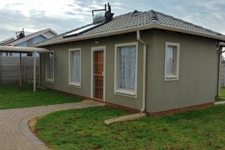 3 Bedroom House for sale in Alberton Central - Alberton