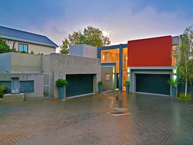 5 Bedroom Townhouse For Sale In Bedfordview P24 106120589