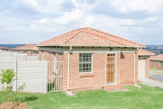 3 Bedroom House for sale in Olievenhoutbosch