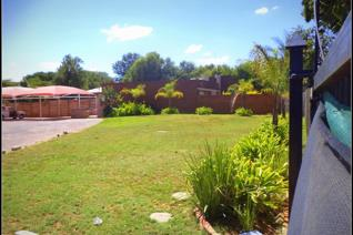 Investors Dream.  For the first time investor here is your investment.  Rental income of R 20 670.00. Property consist of 1 x 1 bed and ...