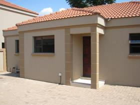 3 Bedroom Townhouse to rent in Mookgopong - Mookgopong