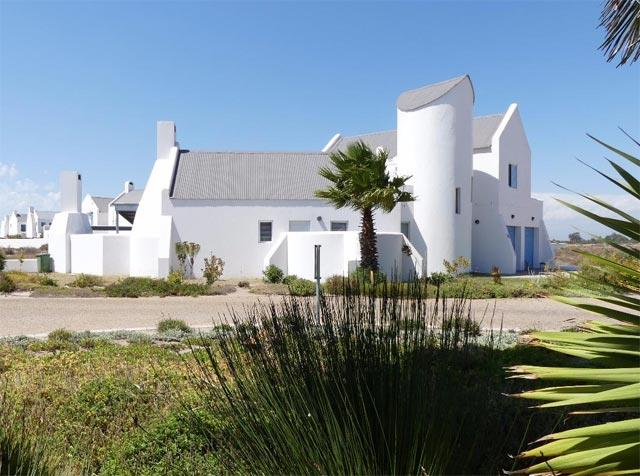 7 cosy coastal holiday cottages around SA for under R2m - Leisure, Beach Houses In The Ideal on celebrity house in, car house in, japanese house in, vacation house in, country house in, fun house in, french house in, summer house in,