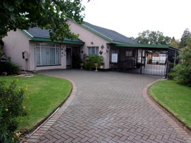 3 Bedroom House for sale in Unitas Park - Vereeniging