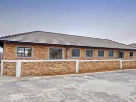 3 Bedroom Townhouse to rent in Azaadville Gardens - Krugersdorp