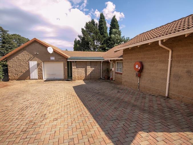 2 bedroom townhouse for sale in groblerpark 16 westgate garden rh property24 com