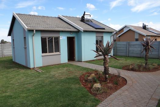 2 Bedroom House for sale in Alberton Central