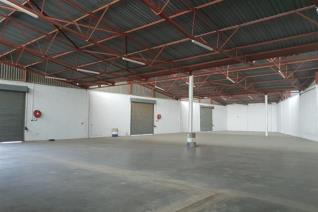 830 square meters warehouse available in the Ladysmith Central area. Enclosed well secured.
