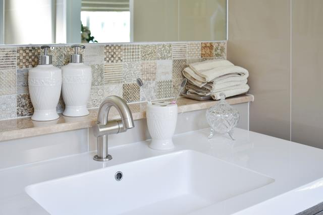 Swell How To Fix And Replace Grubby Tile Grout In 6 Steps Diy Download Free Architecture Designs Lukepmadebymaigaardcom
