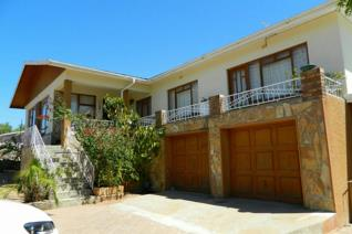 5 Bedroom House for sale in Garies - Garies
