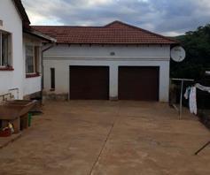 House for sale in Lenyenye