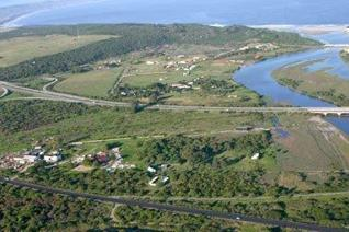 This 5.891 ha piece of land in popular Hartenbos is an exciting, golden opportunity for the visionary developer who wants to develop on ...