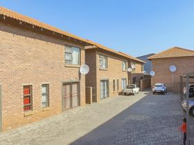 2 Bedroom Apartment / flat for sale in Delarey - Roodepoort