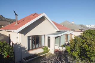 3 Bedroom House to rent in Fish Hoek - Fish Hoek