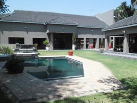 7 Bedroom House for sale in Lakefield - Benoni