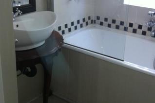 2 Bedroom Apartment / flat to rent in Parktown North - Johannesburg