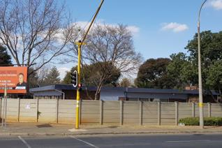 Two offices to rent at R2500 each per month excluding utilities. There is an additional ...