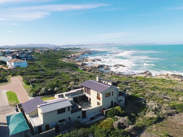 Find value-for-money seaside houses in the Southern Cape