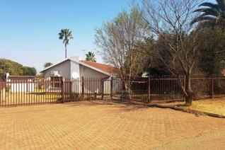 Exclusive mandate. This well built house is situated on a large stand of1099m and is totally fenced with a remote controlled gate. A ...