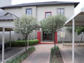 Apartment / flat for sale in Beverley - Sandton