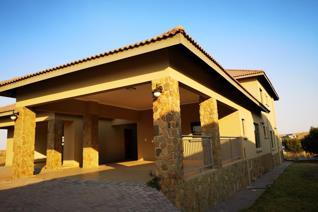 7 Bedroom House to rent in Oranjeville - Oranjeville