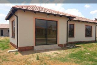 Family house with 3 bedroom 2 bathroom, kitchen and a nice lounge this is a good ...