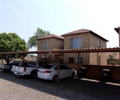 Townhouse for sale in Heuwelsig Estate