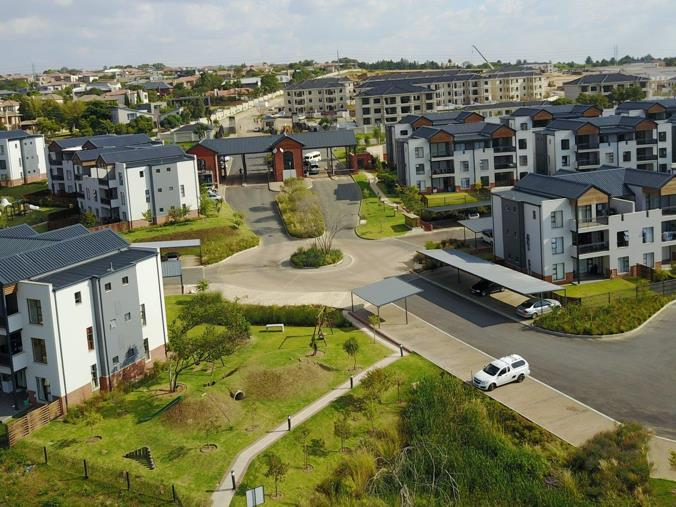 Outstanding 2 Bedroom Apartment Flat To Rent In Carlswald North Estate Home Interior And Landscaping Mentranervesignezvosmurscom