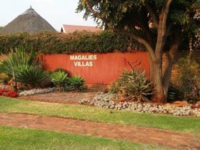 3 Bedroom Townhouse to rent in Magalieskruin - Pretoria