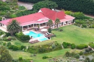 Unique country-lodge with first-class restaurant overlooking the Walker Bay on a private fynbos property of 310 Ha. It offers wonderful ...
