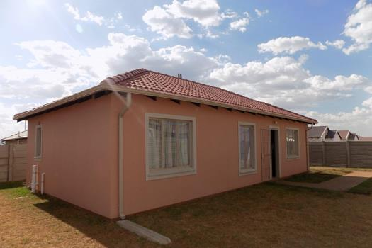 3 Bedroom House for sale in Savanna City