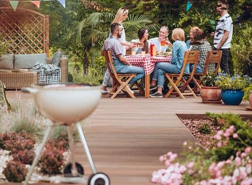 5 backyard renovations to increase your home's value