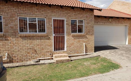 2 Bedroom Townhouse for sale in Wilkoppies