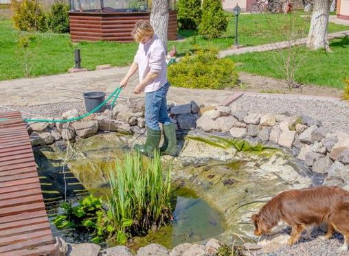 DIY: How to repair a leaking garden pond