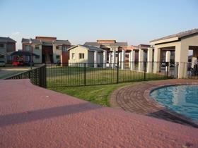 2 Bedroom Townhouse to rent in Montana Tuine - Pretoria